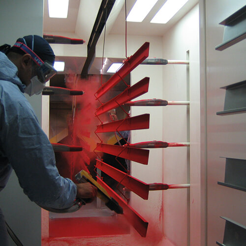 Lippert Unternehmen Leistungen Blechbearbeitung Pulverbeschichtung